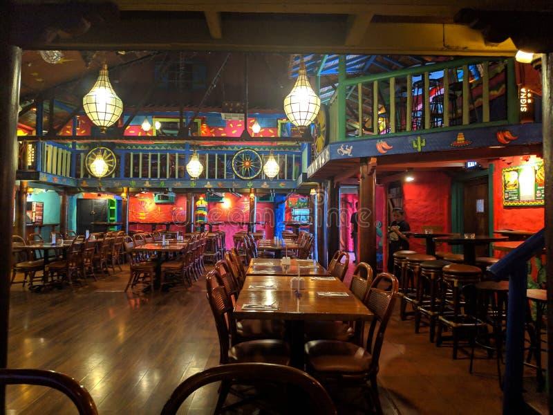 Restaurant mexicain coloré à Jakarta photos stock