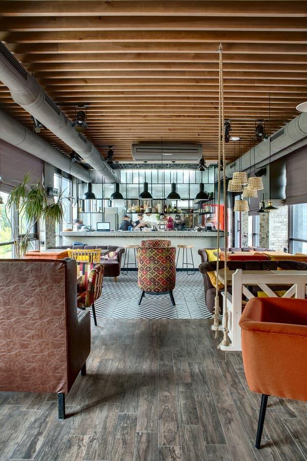 Restaurant Mit Offener Küche Stockbild - Bild von auslegung, kissen ...
