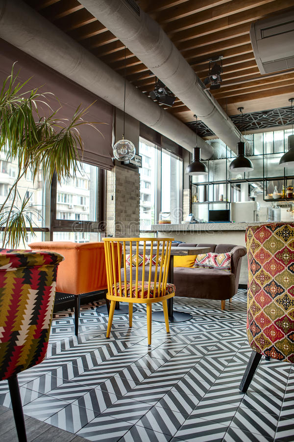 Restaurant Mit Offener Küche Stockbild - Bild von öffentlichkeit ...