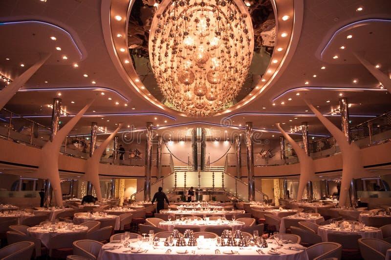 Restaurant op cruiseschip stock foto