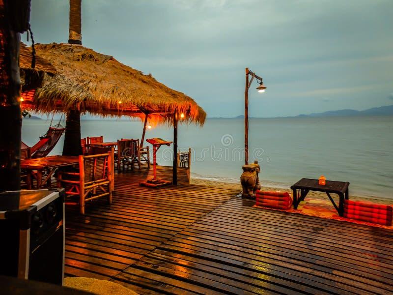 Restaurant op het strand royalty-vrije stock afbeeldingen