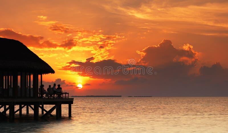 Restaurant over de oceaan. royalty-vrije stock afbeelding