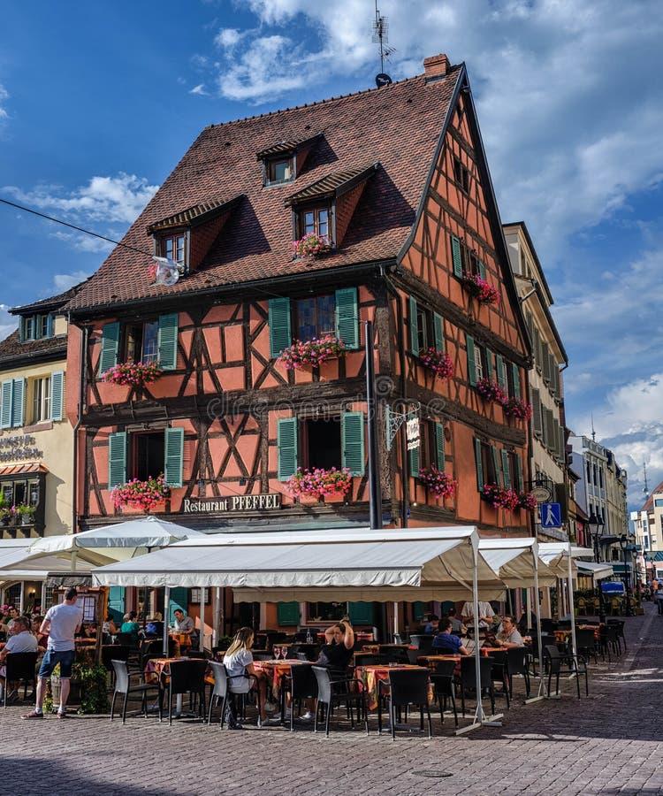 Restaurant Pfeffel dans le style alsacien à colombage, Colmar photo stock