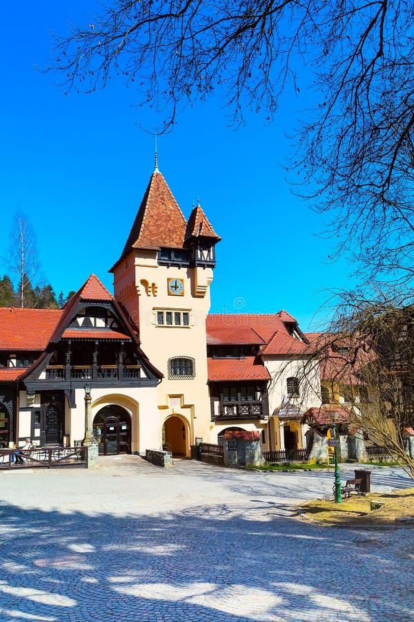 Restaurant in Roemeens platteland, dichtbijgelegen bergen royalty-vrije stock foto's