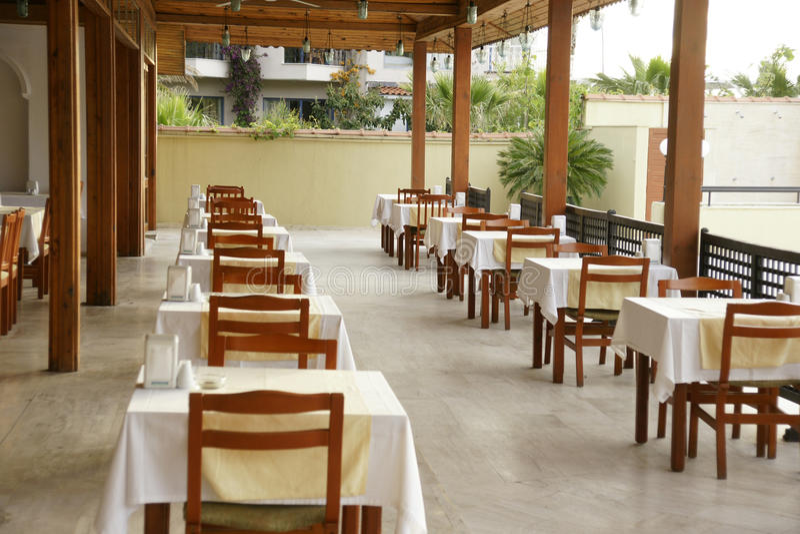 Restaurant vide de matin images libres de droits