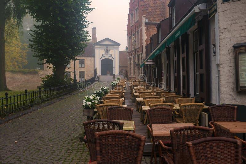 Restaurante assombrado em Bruges fotos de stock royalty free