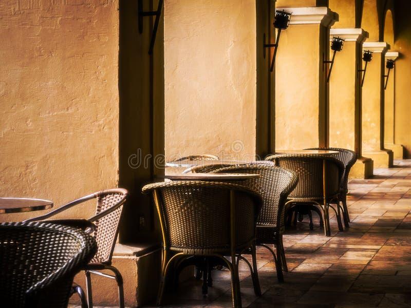Restaurante con las columnas foto de archivo