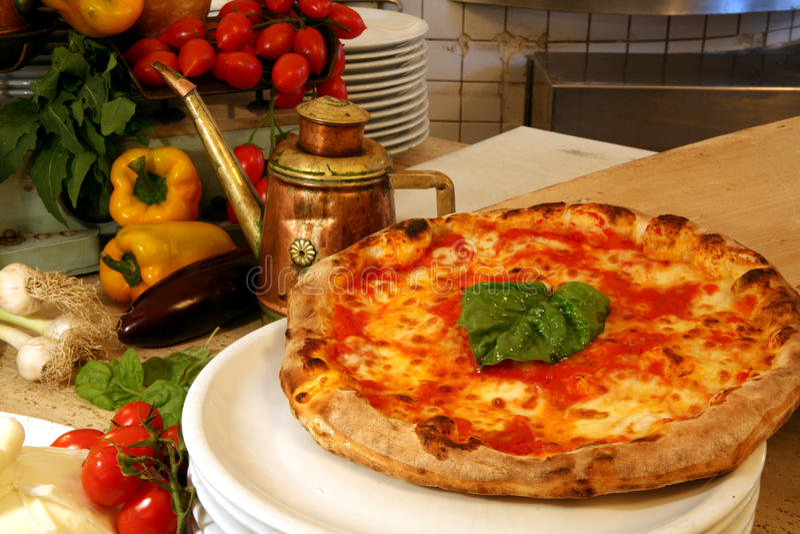 Restaurante da pizza fotografia de stock royalty free