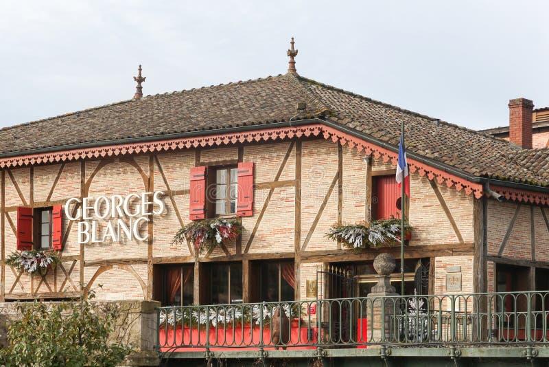 Restaurante de Georges Blanc en Vonnas, Francia fotos de archivo