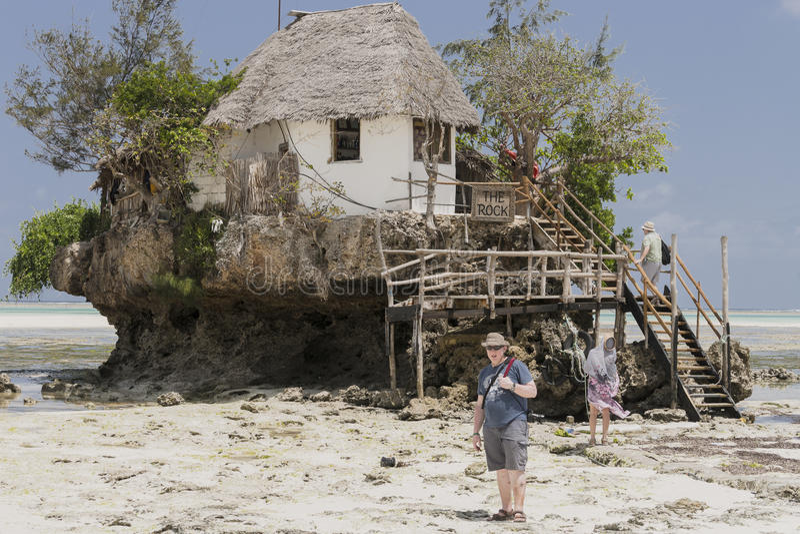 Restaurante de la roca, Zanzíbar, Tanzania imágenes de archivo libres de regalías