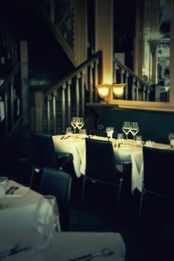 Restaurante de la tarde foto de archivo libre de regalías