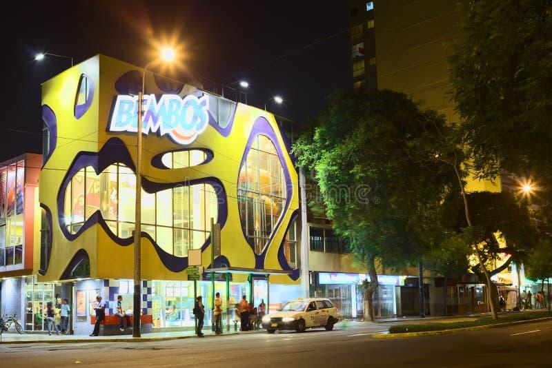 Restaurante de los alimentos de preparación rápida de Bembos en Miraflores, Lima, Perú imagen de archivo libre de regalías
