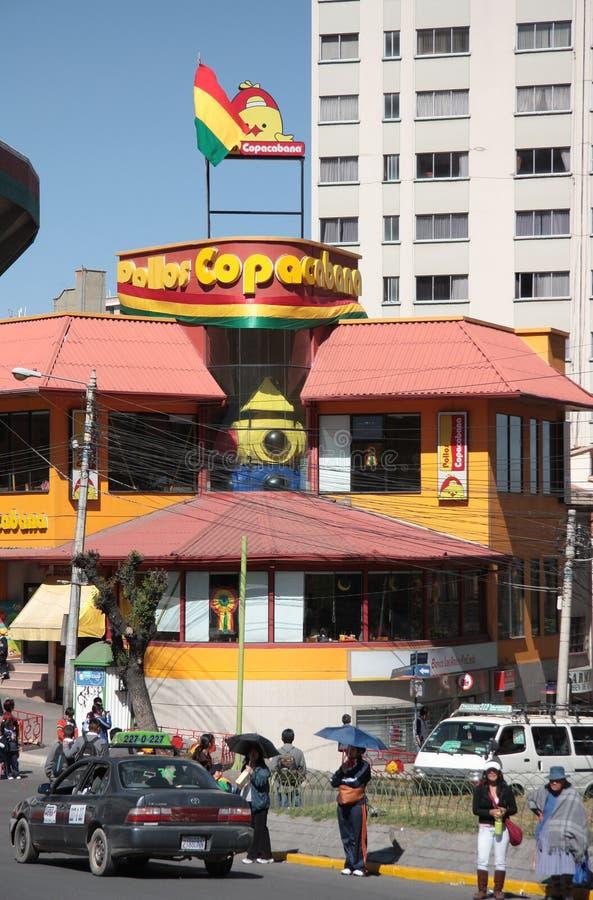 Restaurante de Pollos Copacabana en Bolivia fotografía de archivo