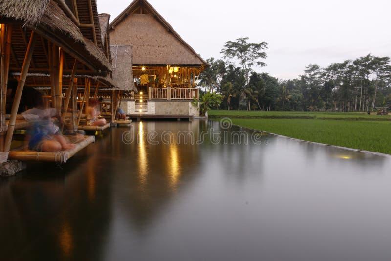 Restaurante del Balinese cerca de los ricefields fotografía de archivo