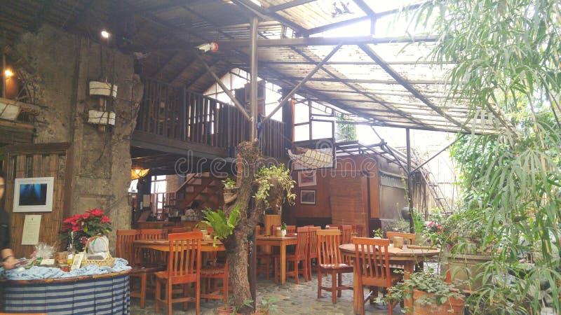 Restaurante del jardín interior imagen de archivo