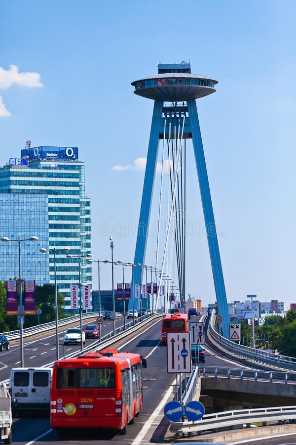 Restaurante del UFO, nuevo puente, Bratislava, Eslovaquia imagen de archivo libre de regalías