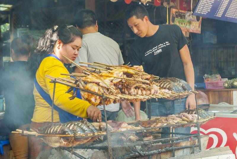 Restaurante do BBQ com peixes e carne fotos de stock