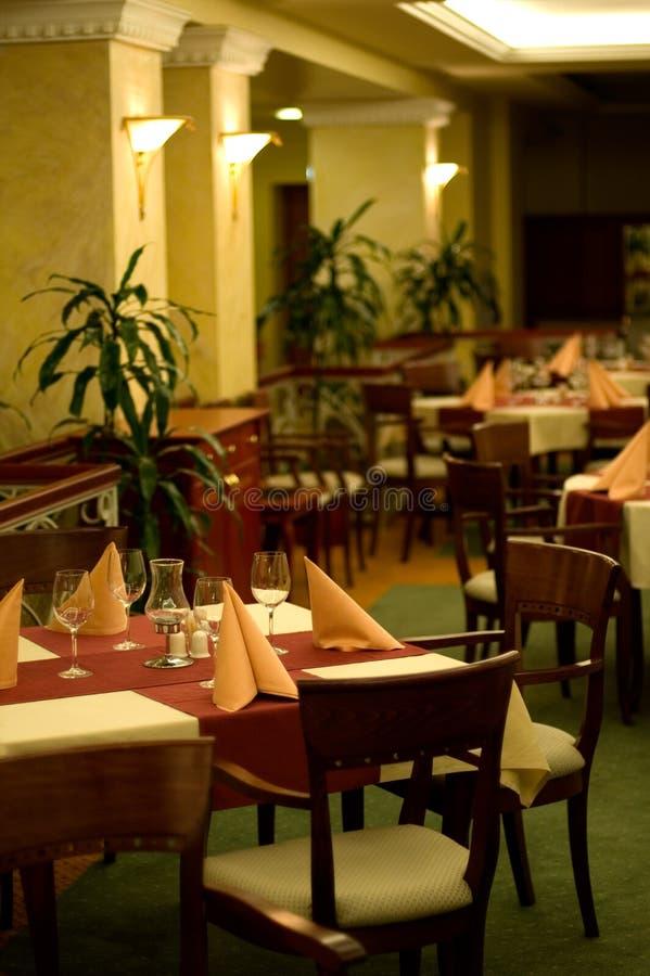 Restaurante elegante interior fotografía de archivo libre de regalías