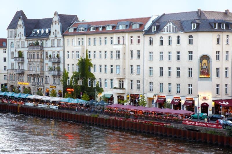 Restaurante en el río de la juerga, Berlín fotos de archivo