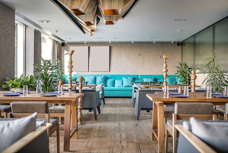 Restaurante en estilo moderno foto de archivo