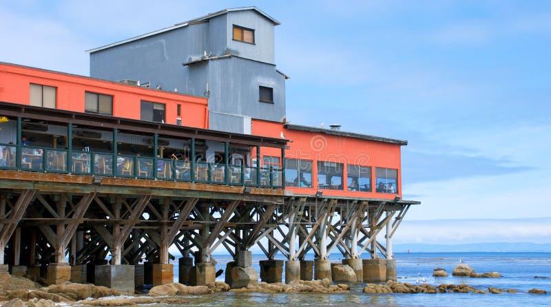 Restaurante en un embarcadero de Monterey California fotos de archivo