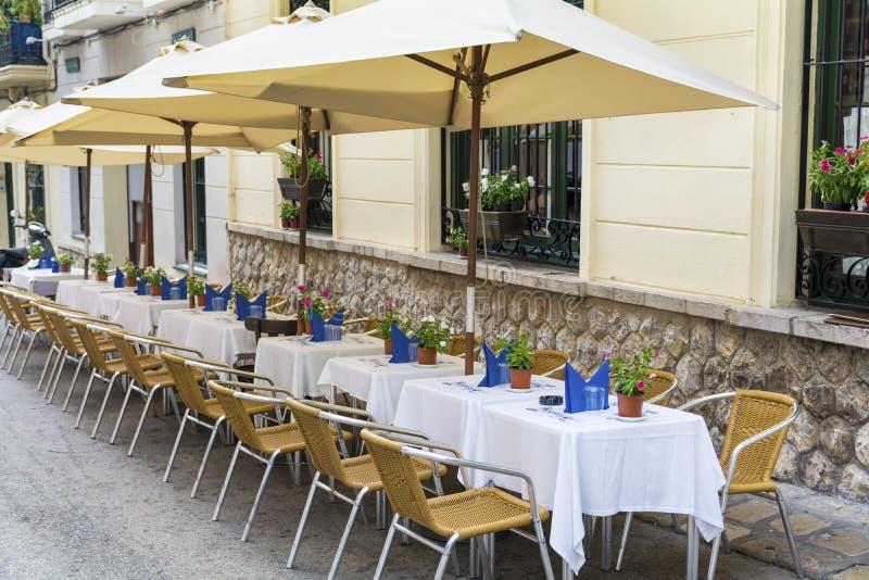 Restaurante exterior em Barcelona foto de stock royalty free