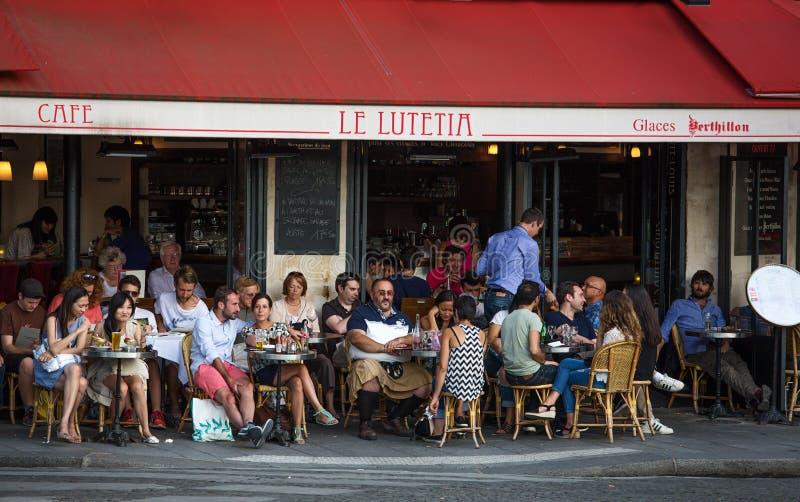 Restaurante exterior, Paris, França fotografia de stock