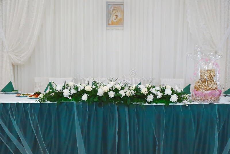 Restaurante hermoso de la boda para la boda decoración para la novia y el novio Decoración colorida para la celebración Interior  fotos de archivo libres de regalías