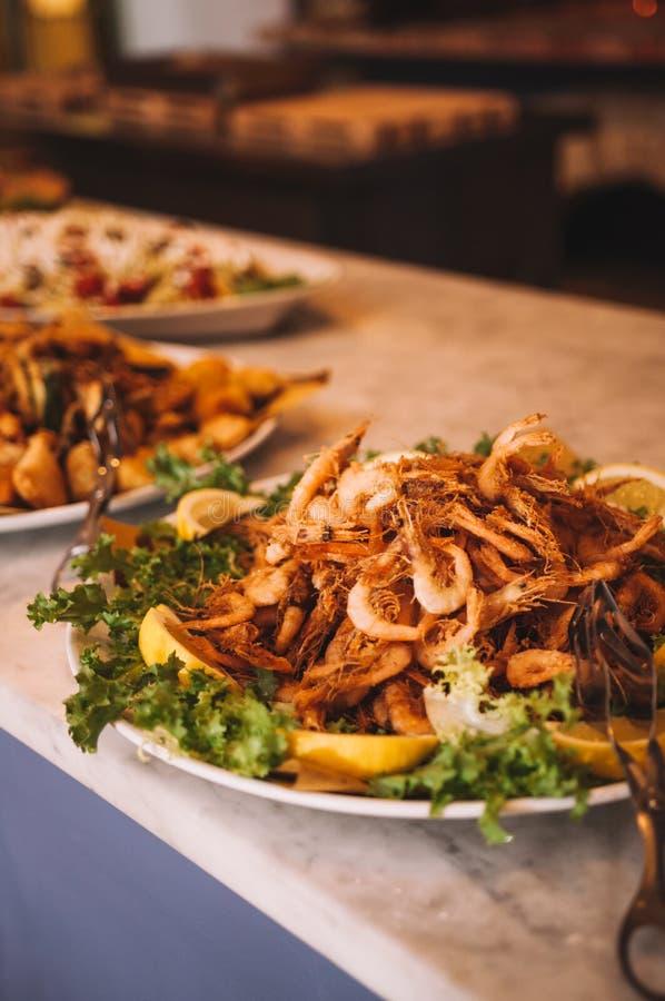 Restaurante italiano colorido e delicioso saboroso do bufete fotos de stock royalty free
