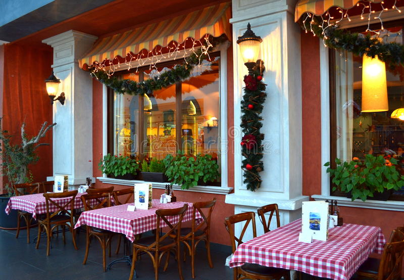 Restaurante italiano en las Navidades fotografía de archivo libre de regalías