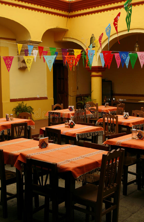 Restaurante mexicano acogedor oaxaca m xico foto de for Los azulejos restaurante mexicano
