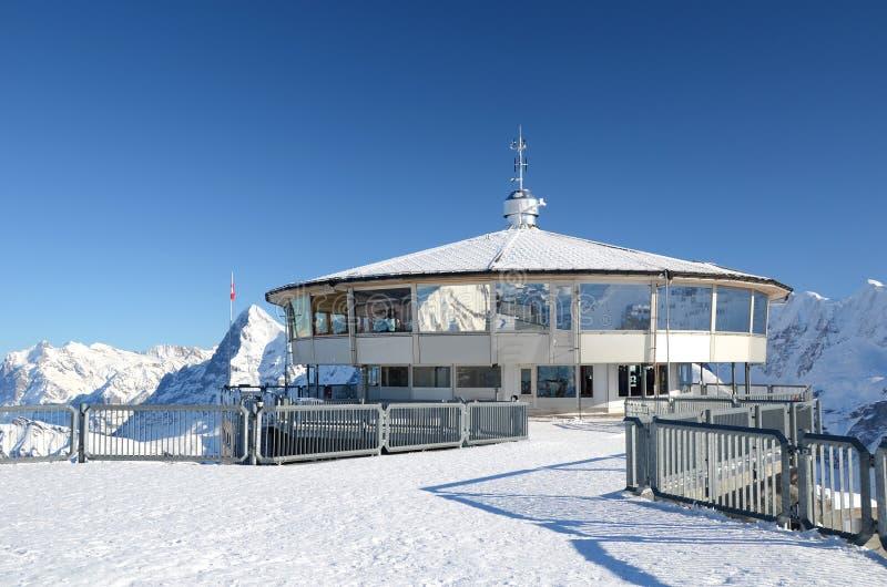 Restaurante na parte superior da montanha de Schilthorn, S fotos de stock
