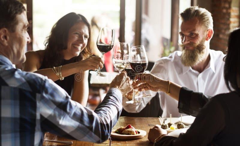 Restaurante que refrigera para fora o conceito reservado do estilo de vida elegante fotografia de stock royalty free