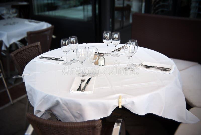 Restaurante, tabla para cuatro foto de archivo