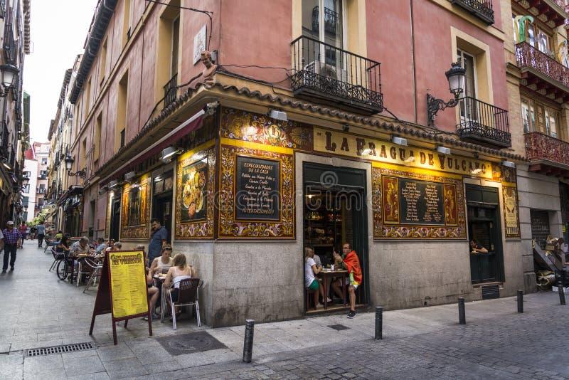 Restaurante tradicional, distrito de Huertas, Madri, Espanha fotografia de stock royalty free