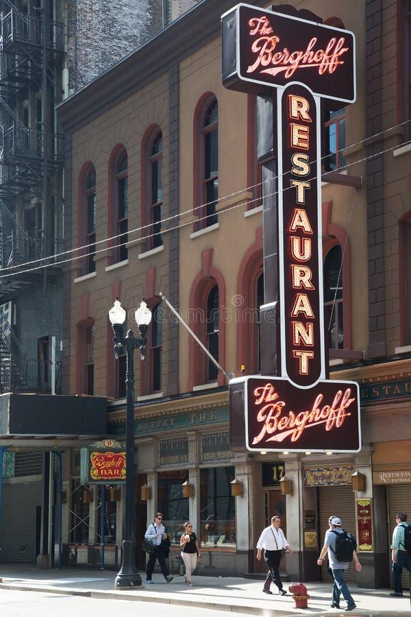 Restaurante velho o Berghoff em Chicago fotografia de stock royalty free