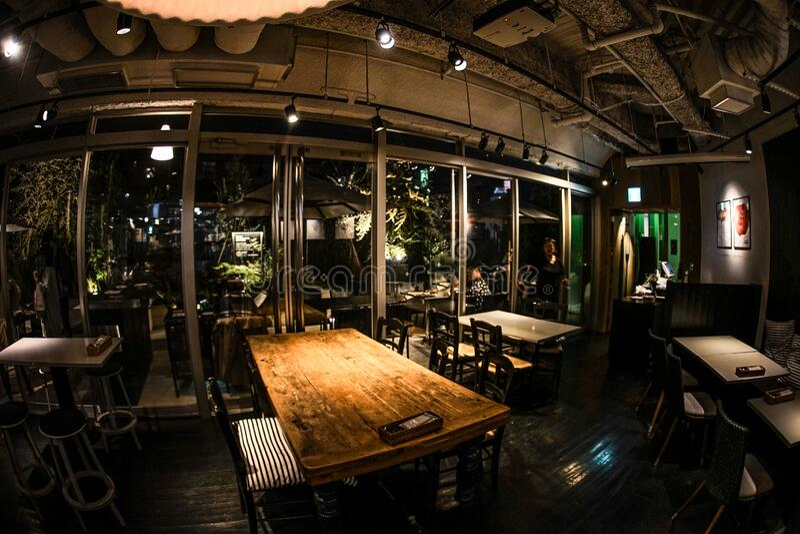Restaurantes de moda imagen de archivo libre de regalías