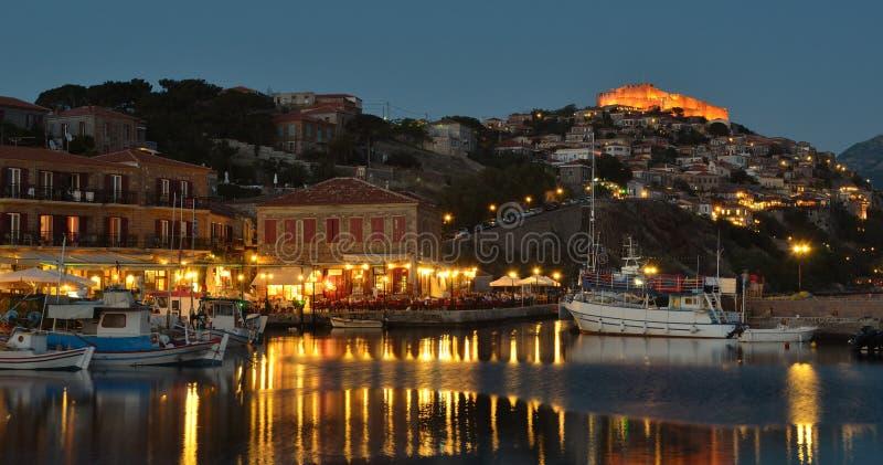 Restaurantes Molyvos do porto imagem de stock royalty free