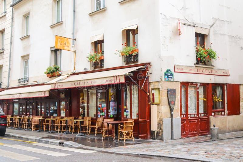 Restaurantes parisienses em Paris, França fotografia de stock royalty free