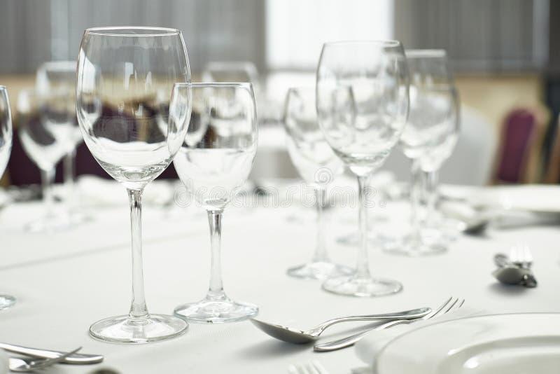 Restaurantlijst setout stock afbeeldingen