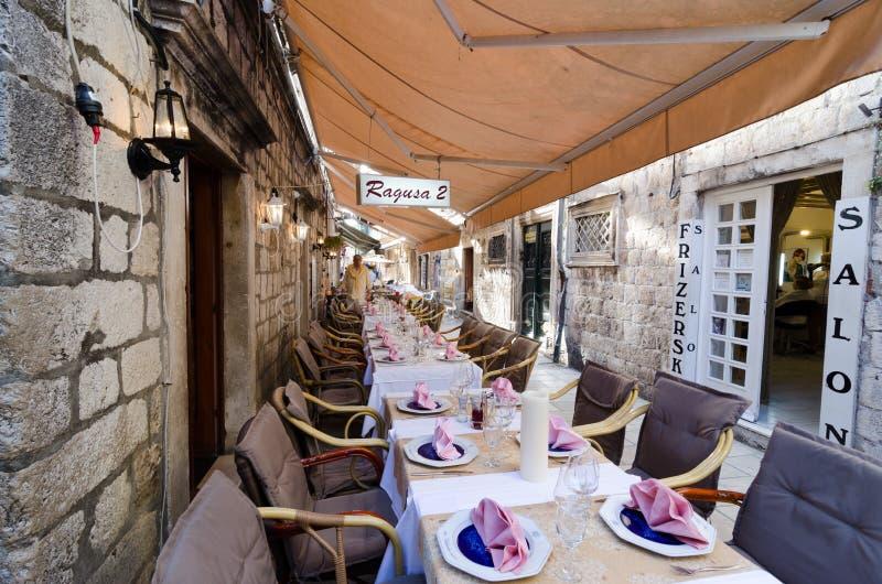 Restaurants de trottoir, Dubrovnik photos libres de droits
