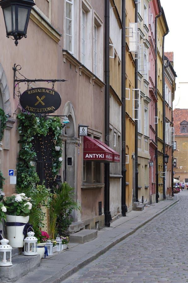 Restaurants in der polnischen Hauptstadt Warschau stockbilder