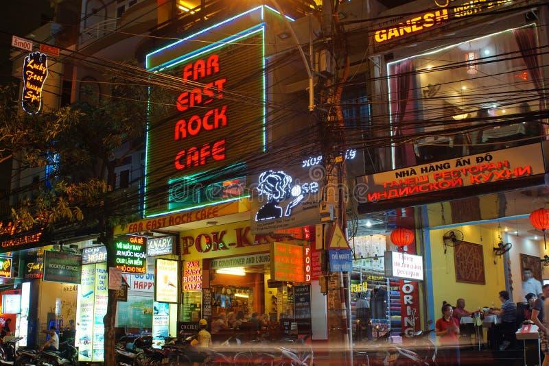Restaurants et barres dans Nha Trang photo stock