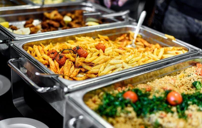 Restauration culinaire de dîner de buffet de cuisine dinant la célébration de nourriture image stock