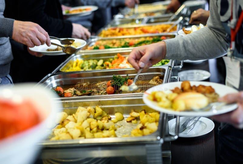 Restauration culinaire de dîner de buffet de cuisine dinant la célébration de nourriture images stock