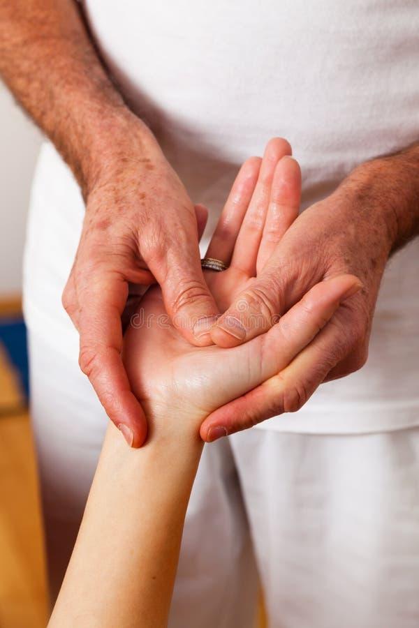 Reste et relaxation par le massage image libre de droits