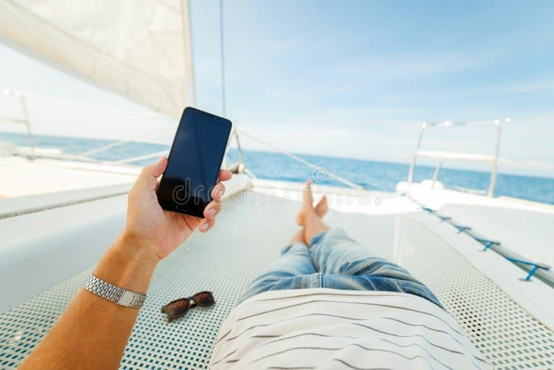 Reste sur un yacht images stock