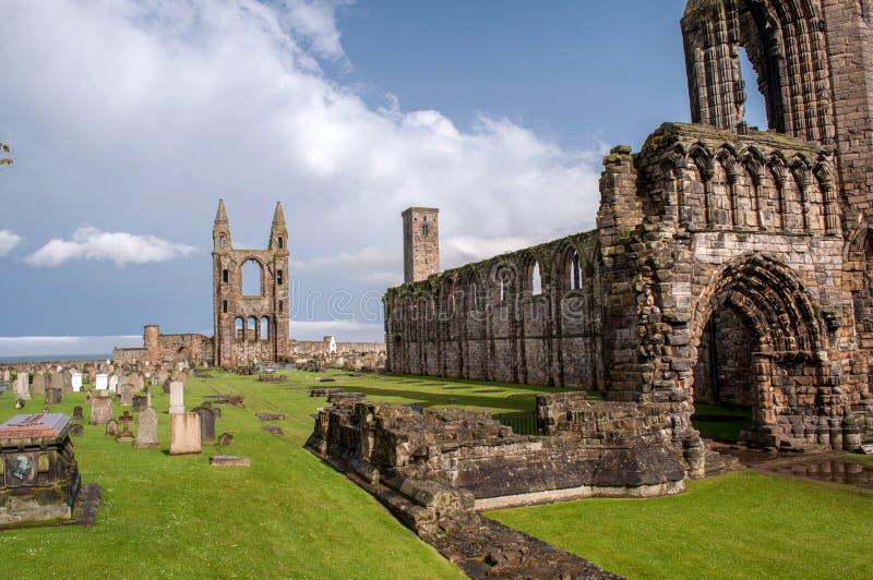Resten van vernietigde kathedraal in St Andrew stock fotografie