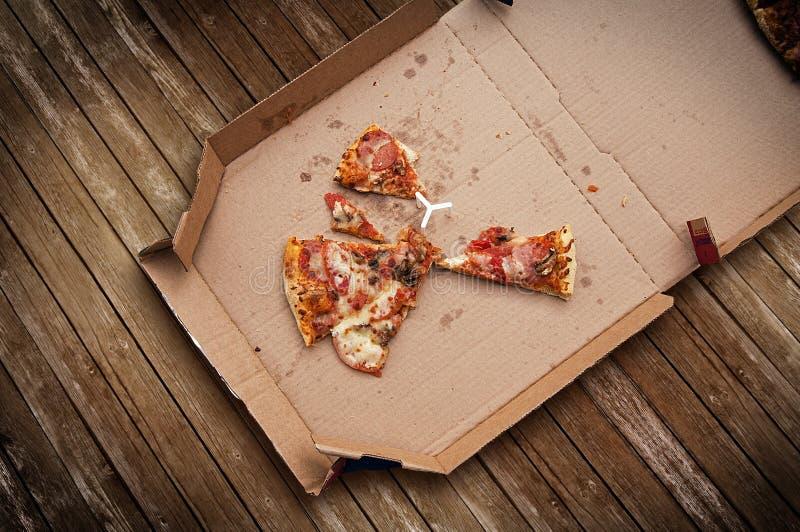 rester pizza fotografering för bildbyråer