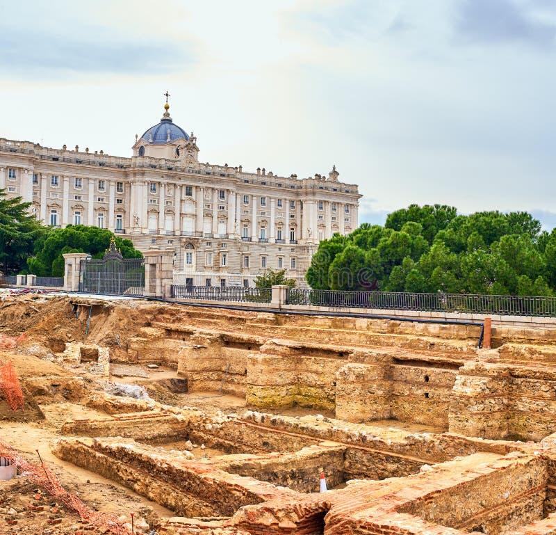 Resti dei seminterrati del Palazzo dei Godoy Madrid, Spagna immagini stock